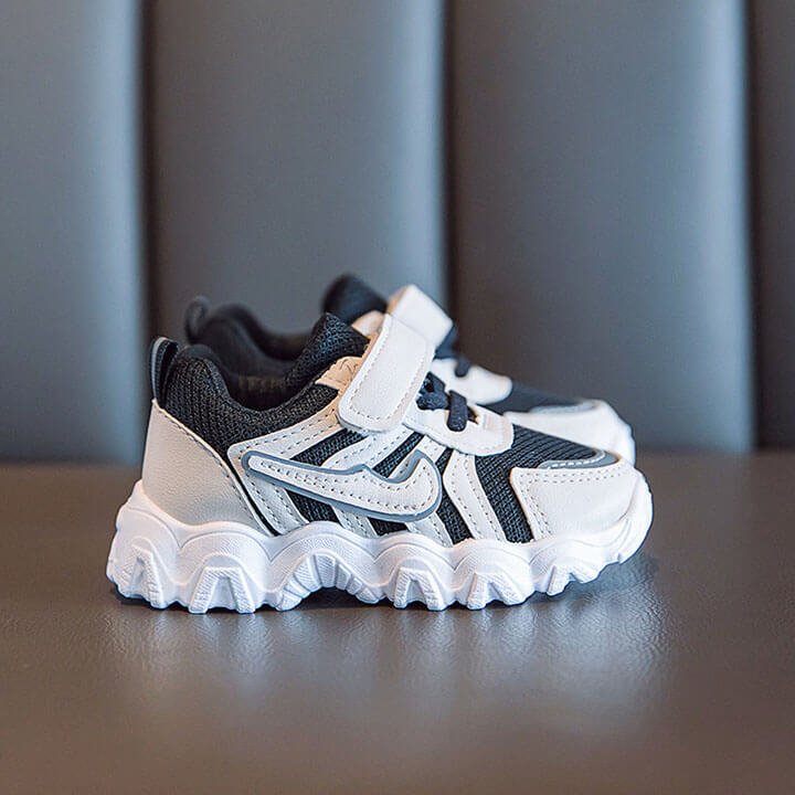Giày thể thao cho bé trai cá tính, phong cách Hàn Quốc từ 1 - 3 tuổi